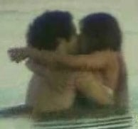 Daniela Cicarelli and boyfriend Tato Malzoni enjoy a dip