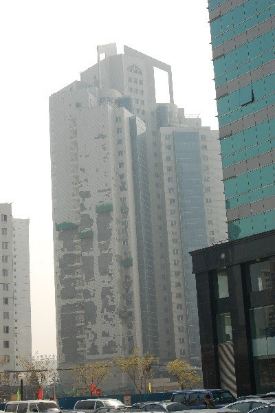 Building crumbling in Beijing