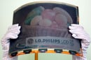 LG.Philips&amp;#39; colour 14.1in e-paper display