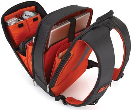 Logitech Kinetik backpack