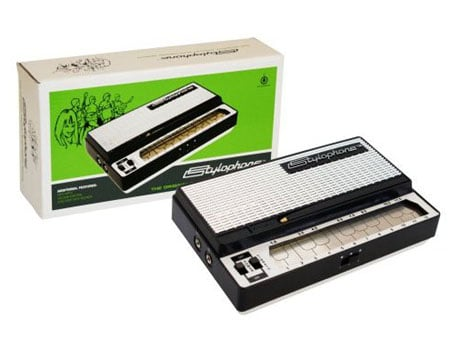 http://regmedia.co.uk/2008/01/25/stylophone.jpg