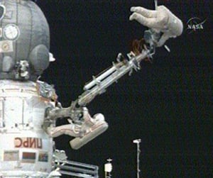 Sergei Volkov and Oleg Kononenko during the spacewalk. Pic: NASA TV