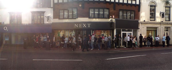 The iPhone queue in Richmond, Surrey