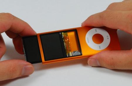 Apple iPod Nano in pieces