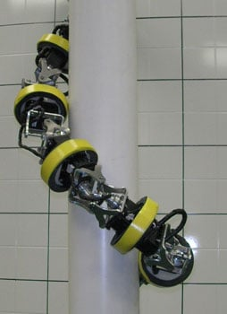 The snakey pole-robot in action