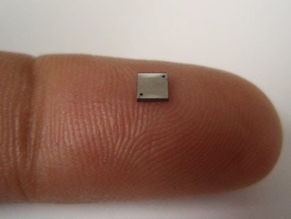 Worlds_smallest_fuel_cell_01