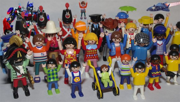 Our Playmobil figures salute Hans Beck