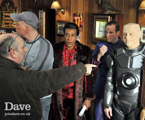 Doug Naylor directing Danny John-Jules, Chris Barrie and Robert Llewellyn in the Rovers Return