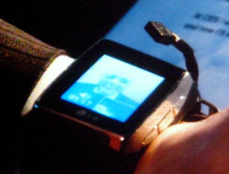LG_wristphone_Ballmer_01