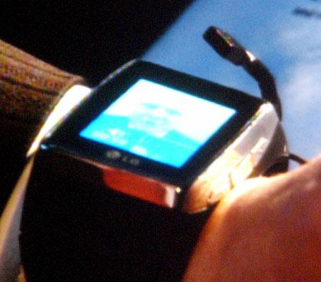 LG_wristphone_Ballmer_03