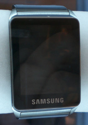 Samsung_wristwatch_01