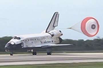 Discovery touches down. Pic: NASA