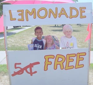 A free lemonade stall