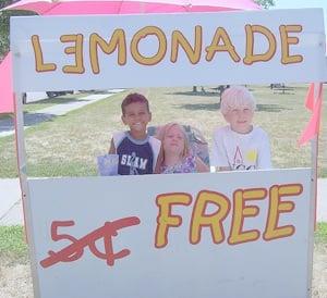 A free lemonade stall