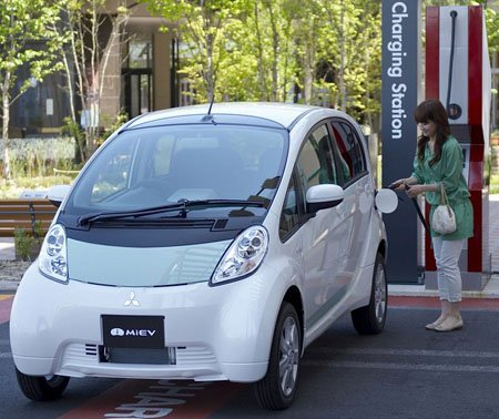 Mitsubishi_imiev_final_05