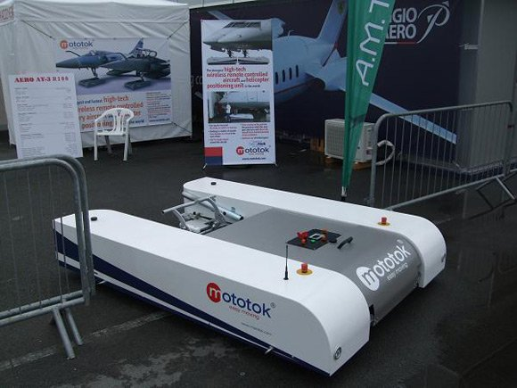 Remote controlled aircraft ground handling equipment at Paris Airshow 09