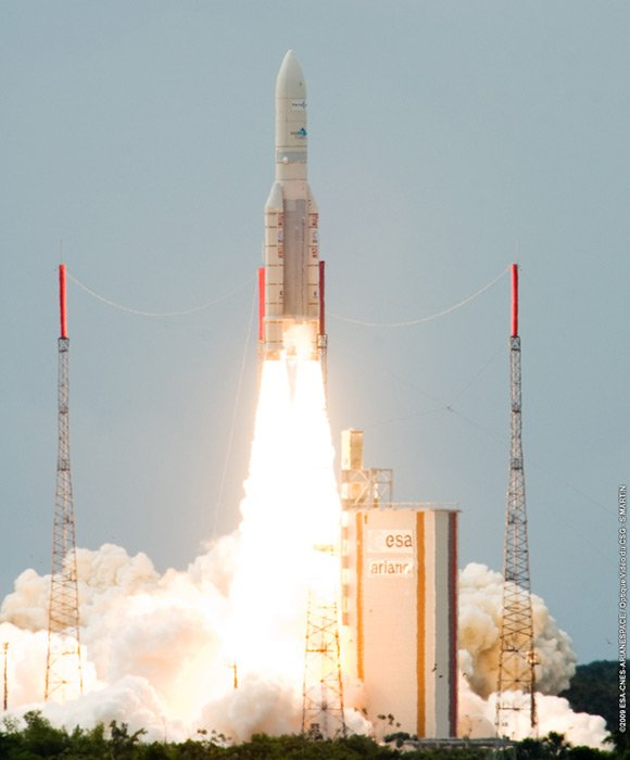 Yesterday's launch of the TerreStar 1 satellite. Pic: ES