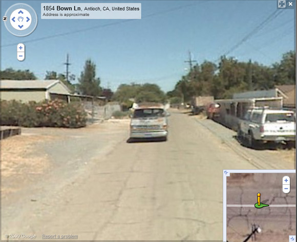 Alleged Garrido vehicle continues to follow Street View van