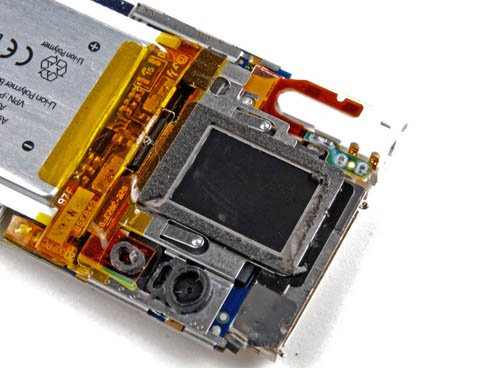 Fifth-generation iPod nano take-apart photo