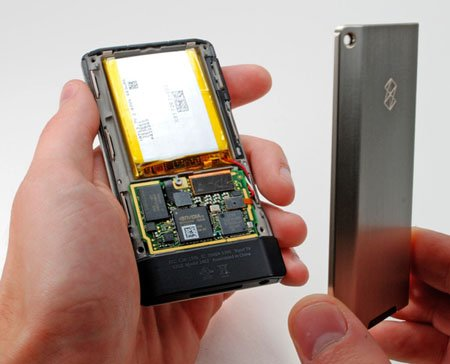 Zune_HD_teardown_05