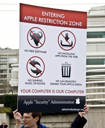 Anti DRM protesters at the 2010 January launch of the iPad