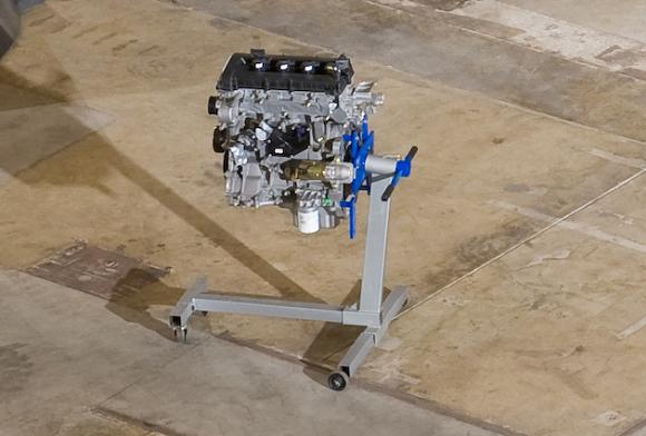 The Ford car engine intended for stratospheric hydrogen service. Credit: Boeing