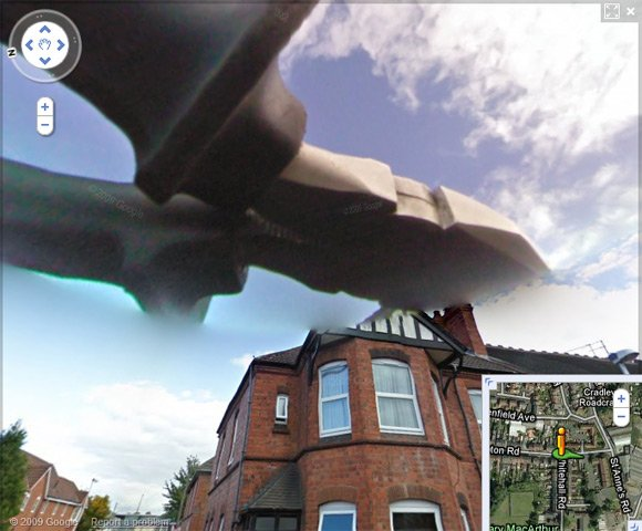 Giant pliers in the sky on Street View