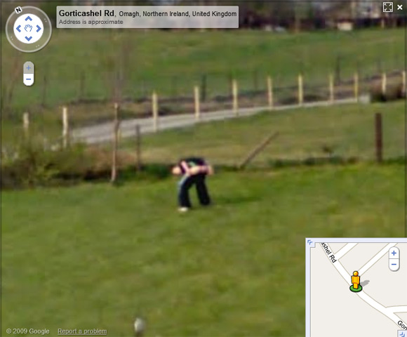 Young lad moons Street View spymobile in Northern Ireland