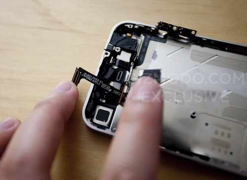Inside the iPhone 4G - according to Gizmodo