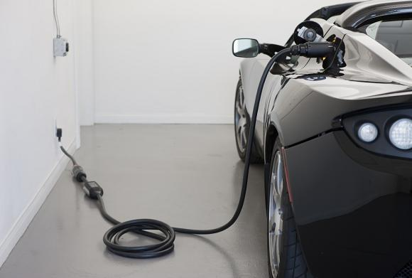 Roadster charging. Credit: Tesla