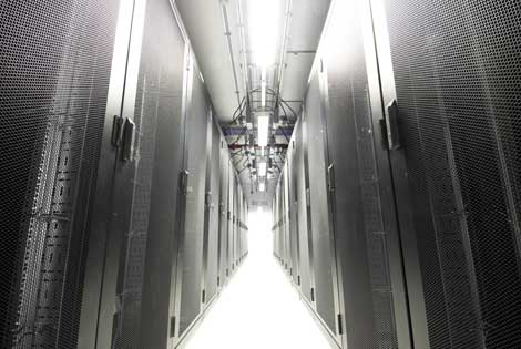 Merlin Data Centre Cold Aisle