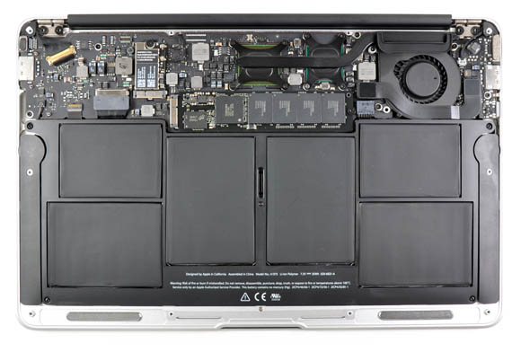 Apple MacBook Air innards (11.6-inch model)
