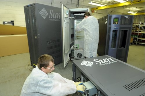 IBM Endicott dismantling a Sun server
