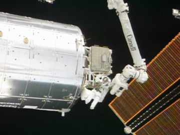 Steve Bowen outside the ISS during yesterday's spacewalk. Pic: NASA