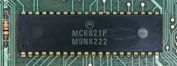 Osborne 1, second version - peripheral-interconnect chip
