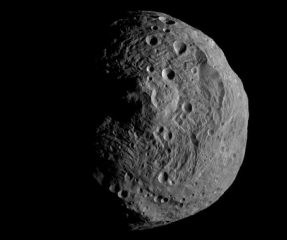 Dawn's image of Vesta