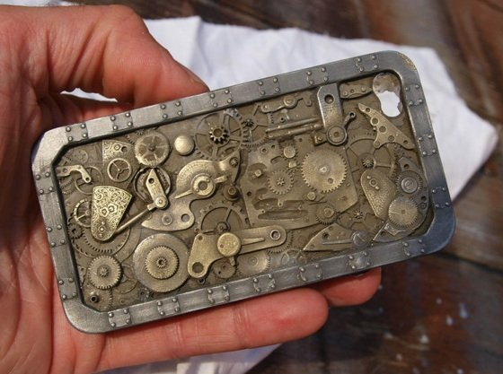 Paul Marsh's Steampunk iPhone 4 case