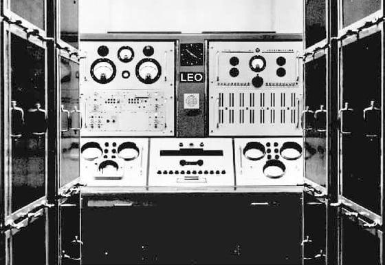Leo 1 control desk