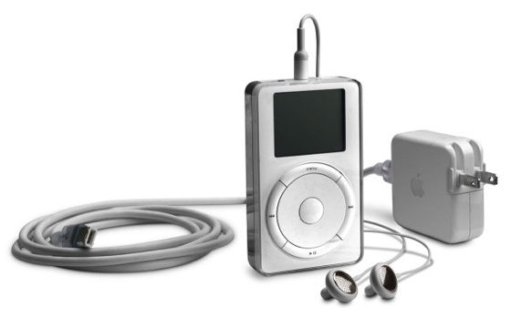 Apple iPod first generation and bundled accessories
