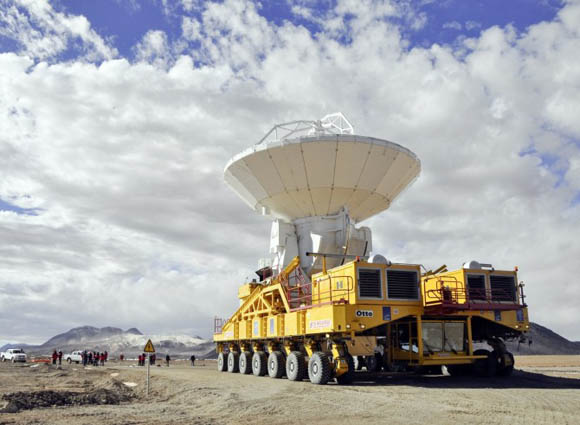 100-ton ALMA antenna aboard its custom-built transporter