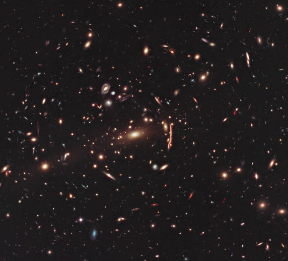 Hubble photo showing gravitational lensing warpi