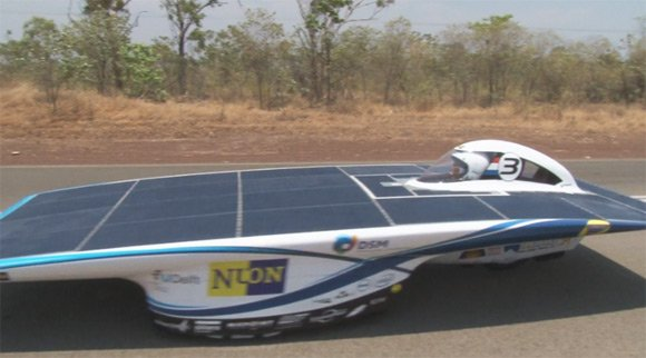 Nuon solarcar on the road