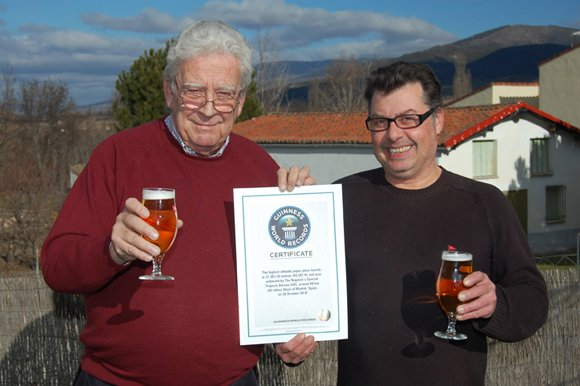 Jose Maria and Tito with the Paris Guinness World Record certificate
