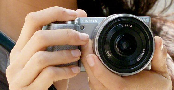 Sony NEX-5N 16.1Mp APS-C compact system camera