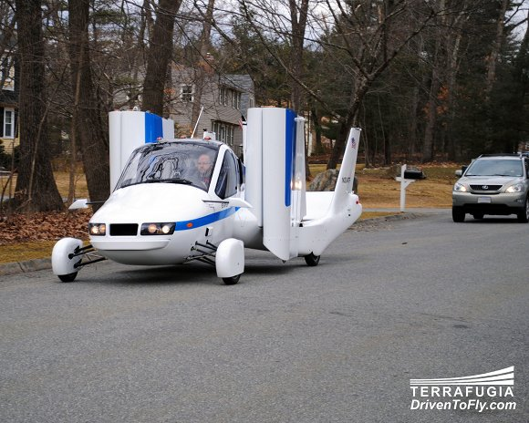 Terrafugia flies first prototype: Flying cars &#039;within a year&#039;