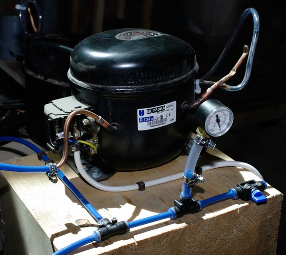 The REHAB pump with its connecting tubing