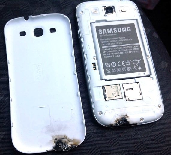Samsung Galaxy S III damaged