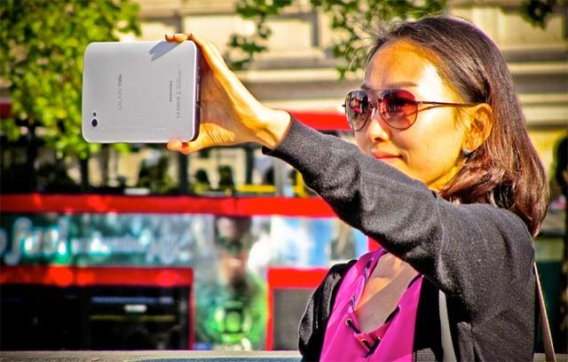 Galaxy Tab in London by Garryknight on Flickr