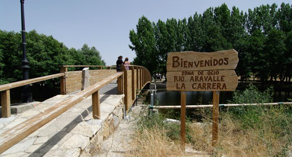 A view towards the chiringuito showing the bridge over the river Aravalle