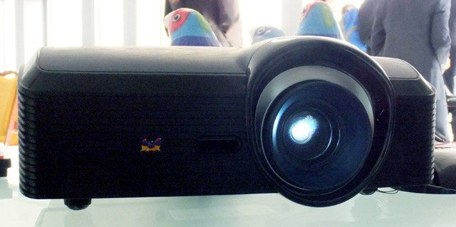 Viewsonic Pro9000 home cinema projector